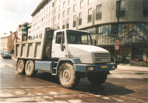 Tatra 162 04