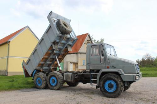 Tatra 162 26