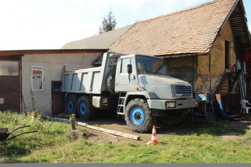 Tatra 162 28