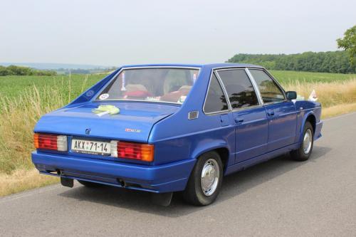 Tatra 613 28